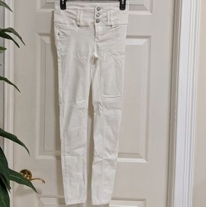 Almost Famous Juniors Size 1 White Skinny Jeans